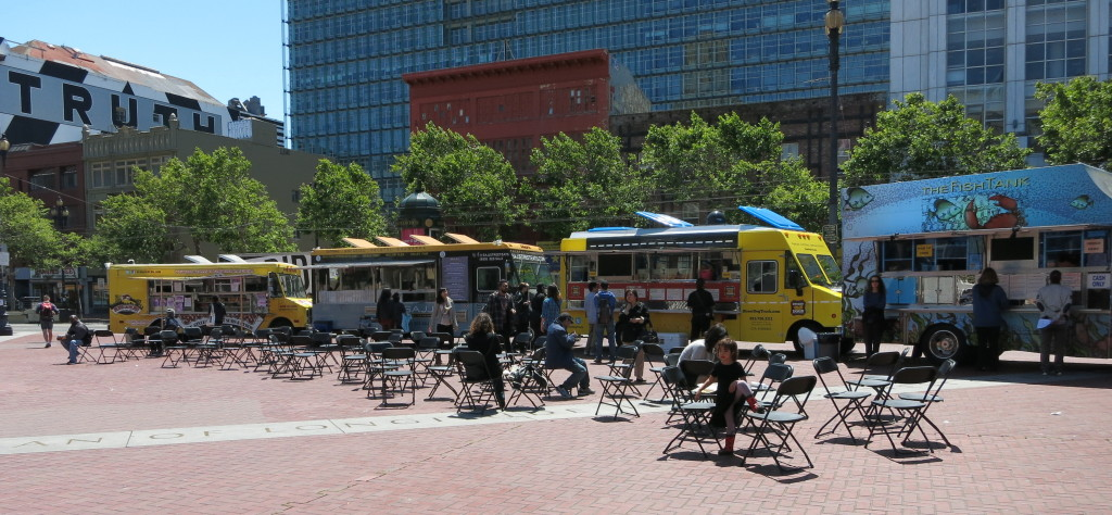 Food trucks along the edge of the UN plaza
