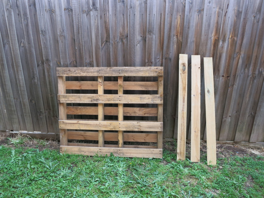 The back of the pallet