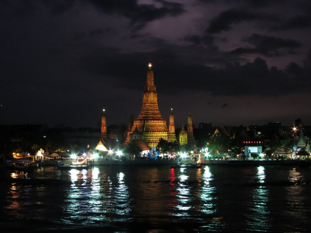 Lightning in the sky over Wat Arun