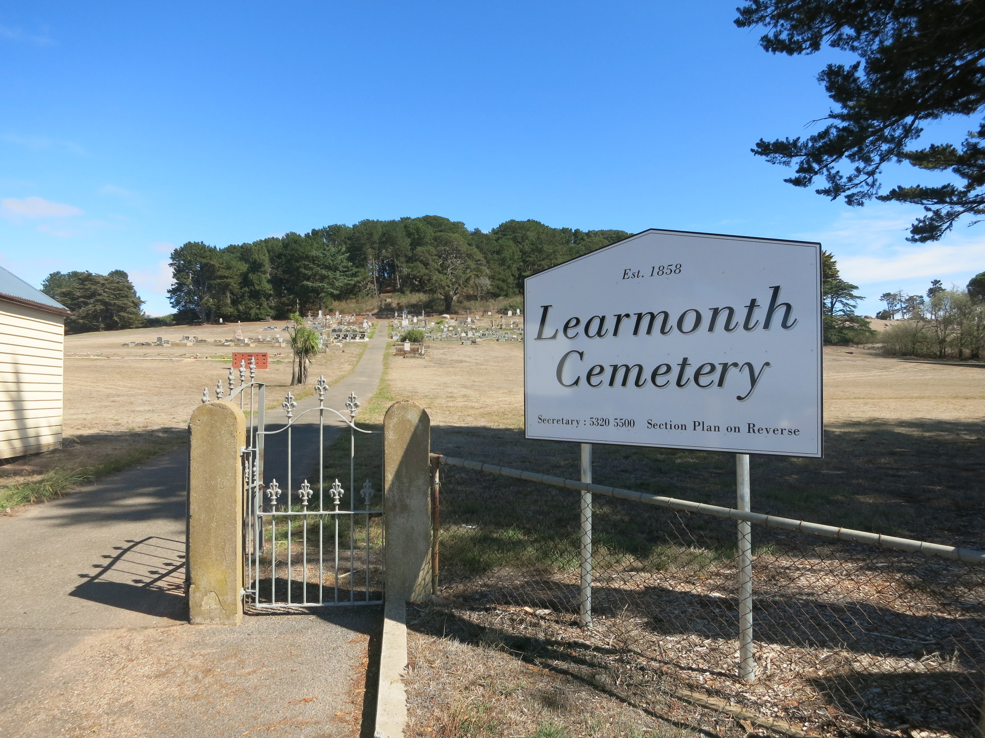 Visiting Learmonth Cemetery
